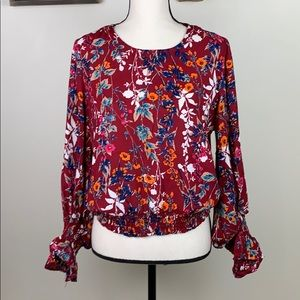 Kontrol contemporary floral balloon sleeve top M